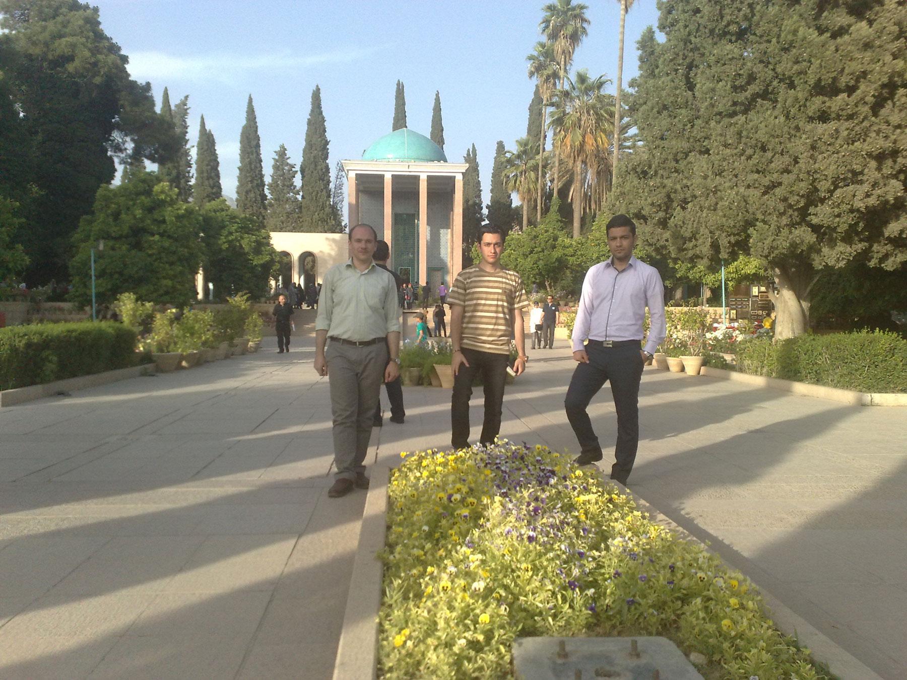 اسماعیل بهشتی، آرامگاه سعدی شیراز