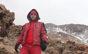 اسماعیل بهشتی، بیس کمپ قله دماوند