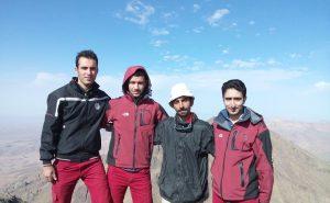 قله کرکس اصفهان بهمراه آقای ایمان احمدپور (راهنما)